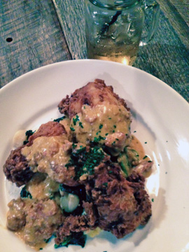 Fried chicken with a Boylan Soda Ginger Ale at the Moonlight Lounge